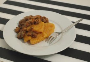 Polenta Squares with Lentils and Mushrooms